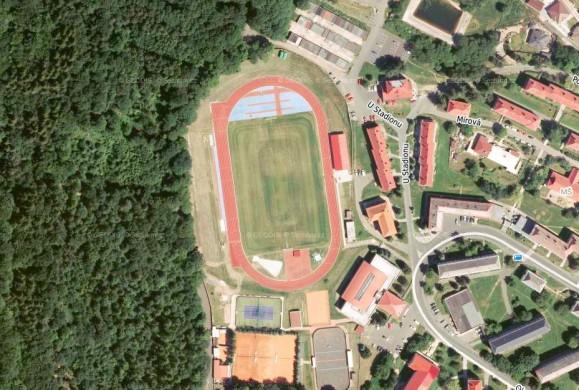 Zázemí atletického stadionu Meziboří