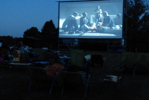 Aktuálně,  letní kino na koupališti Koldům